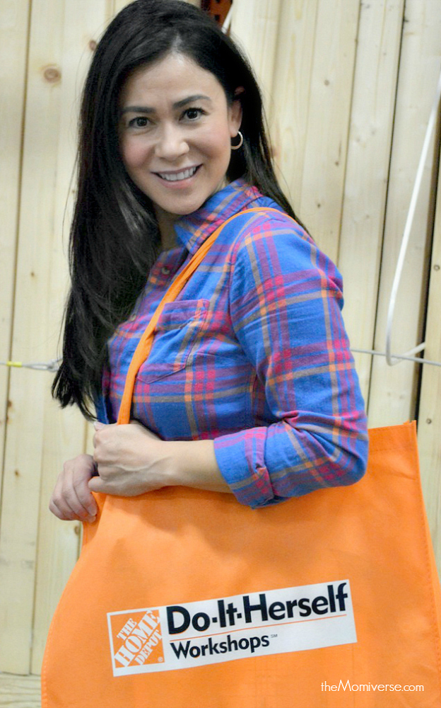Home Depot Do-It-Herself workshop #DIHWorkshops | The Momiverse | DIY monogram craft | DIHworkshop swag bag